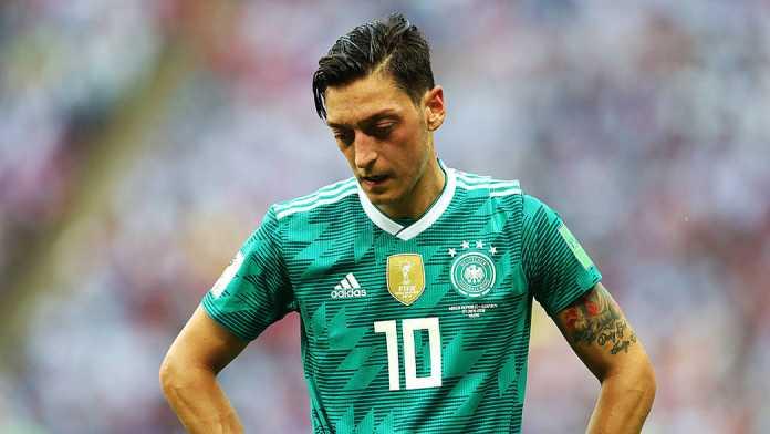 Mesut Ozil Ribut Dengan Suporter Jerman Usai Tersingkir Memalukan